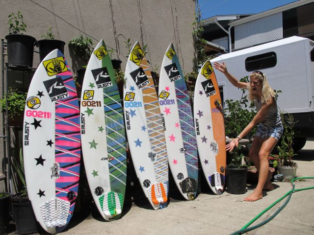 The difference between Epoxy and Polyurethane surfboards | Surf With