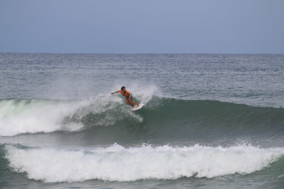 advanced surf coaching, costa rica, surf with amigas,