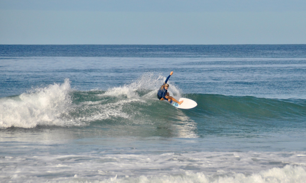 surf with amigas, learn to surf, surf coaching, costa rica, womens surf yoga retreats
