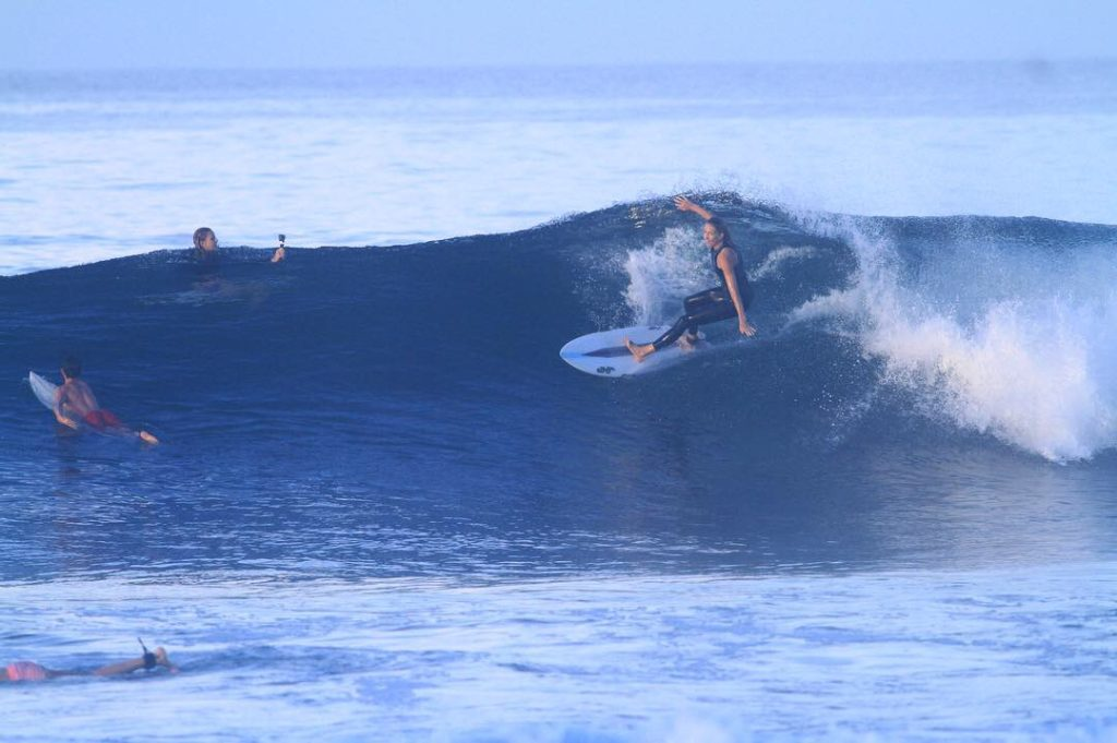 katarina marlett, advanced shortboard retreat, surf with amigas