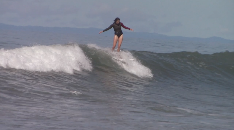 surf with amigas, staff froth, ripping, surf instructors, learn to surf, womens surf yoga retreat, co-ed