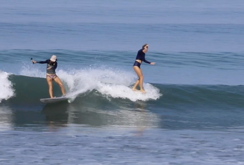 surf with amigas, longboard surf house, holly beck, surf instructor