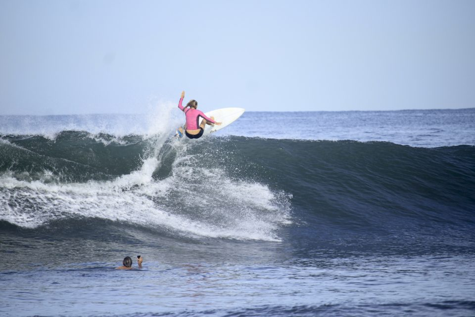 holly beck, advanced shortboard retreat, surf with amigas, north Nicaragua, surf coaching, surf yoga retreat
